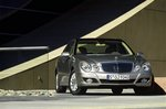 Mercedes - Benz E-klasa W211 500 306 KM