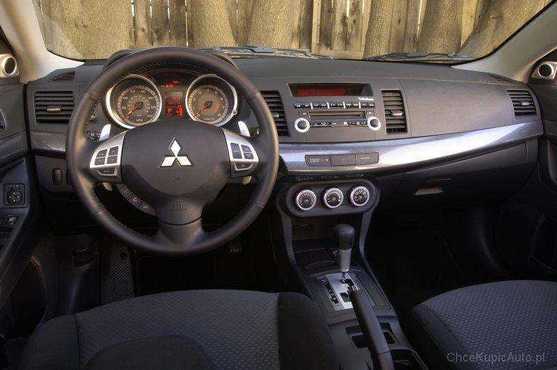 W Mega Mitsubishi Lancer VIII 1.8 143 KM 2010 sedan skrzynia automatyczna OM49