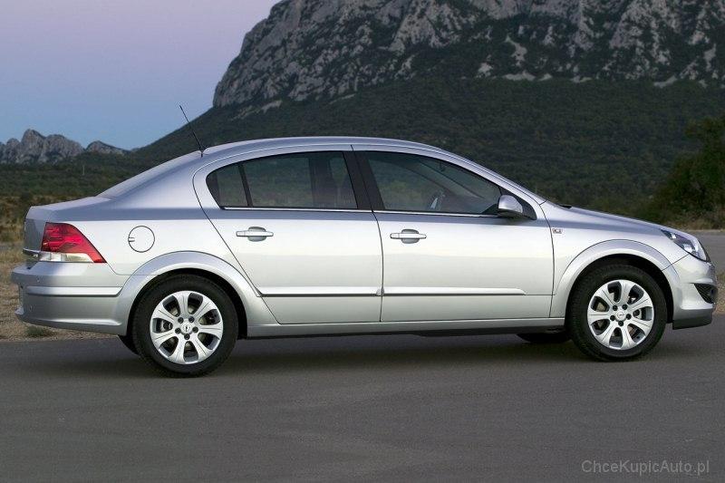 Opel Astra H 1 6 115 Km 2008 Sedan Skrzynia Ręczna Napęd