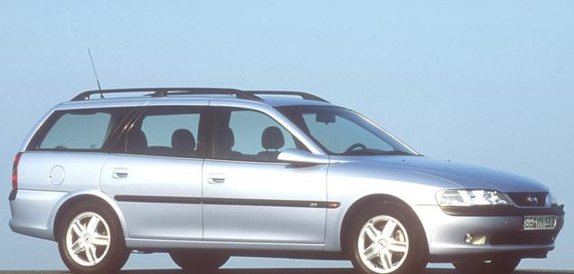 Ogromny Opel Vectra B 2.0 16V 136 KM 1999 kombi skrzynia ręczna napęd przedni VF14