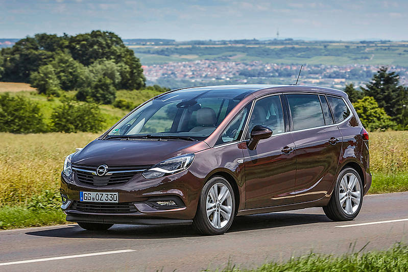 opel zafira c fl 1 6 turbo cng 150 km 2017 van skrzynia. Black Bedroom Furniture Sets. Home Design Ideas