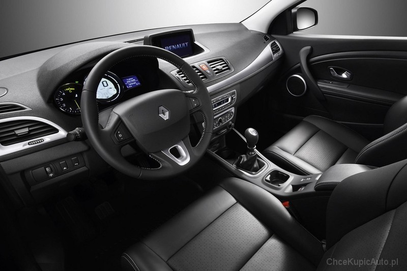 renault megane iii 1 6 110 km 2011 coupe skrzynia r czna. Black Bedroom Furniture Sets. Home Design Ideas
