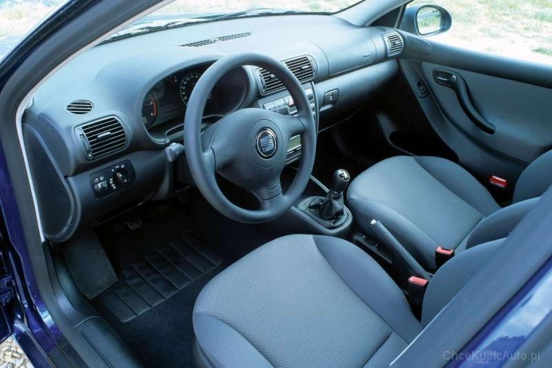 seat leon i 1 8 125 km 2000 hatchback 5dr skrzynia r czna. Black Bedroom Furniture Sets. Home Design Ideas
