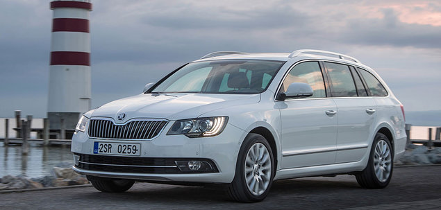 skoda superb ii fl 2 0 tdi 140 km 2014 kombi skrzynia r czna nap d przedni. Black Bedroom Furniture Sets. Home Design Ideas