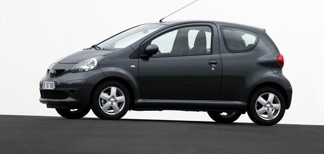toyota aygo i 1 4 d 4d 75 km 2009 hatchback 3dr skrzynia r czna nap d przedni. Black Bedroom Furniture Sets. Home Design Ideas