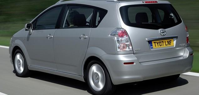 Toyota Corolla Verso III 2.0 D-4D 116 KM