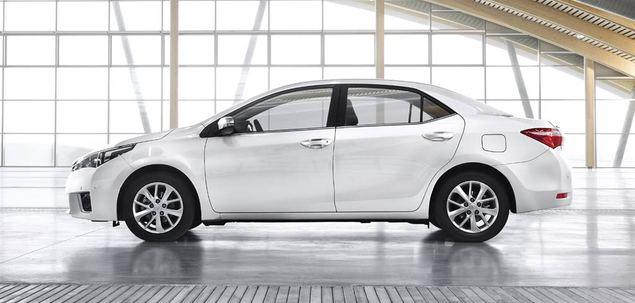 Modernistyczne Toyota Corolla E16 1.6 VVT-i 132 KM 2015 sedan skrzynia automat RH11