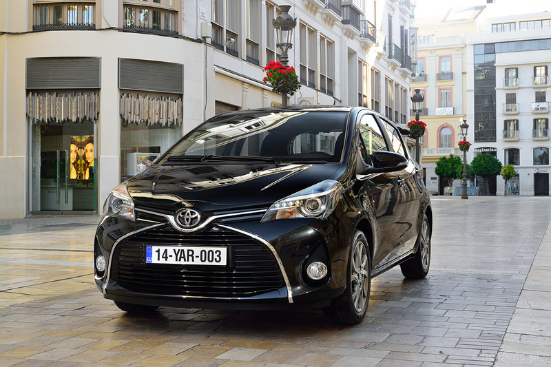 Toyota Yaris III FL 100 Hybrid 100 KM