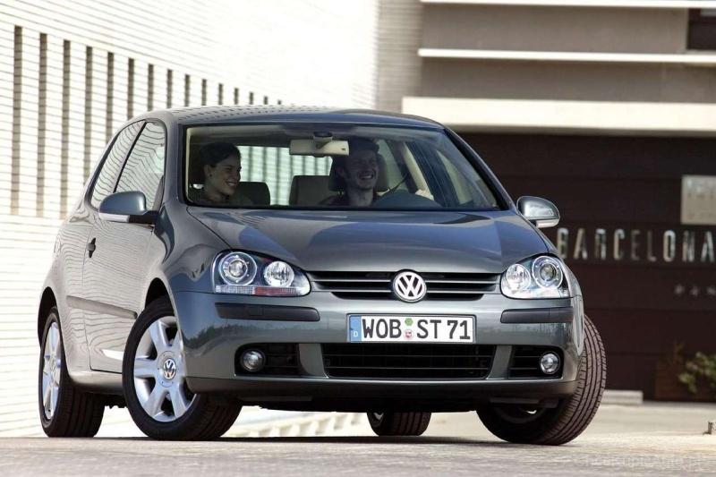 Volkswagen Golf V 1.6 100 KM
