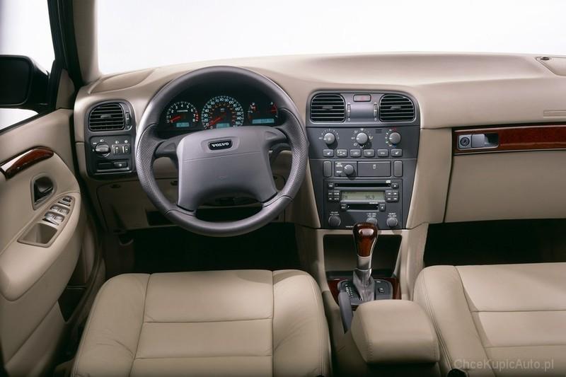 Inteligentny Volvo S40 I 2.0 136 KM 1998 sedan skrzynia ręczna napęd przedni MV47